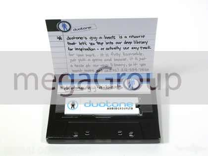 Foam-USB-Packaging-Cassette-Retro-DuoTone